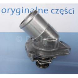 Termostat z obudową, silniki benzynowe 1.0, 1.2 i 1.4 (Astra G, H, Corsa B, C, D, Meriva A, Tigra A, Tigra B, Zafira A)